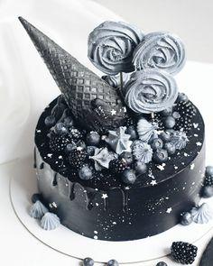 black cake чёрный торт  торт с рожком торт с безе  безе