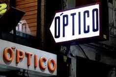 Optico Optico! Nice clashing type in Porto  #WSD2016   via @typechap