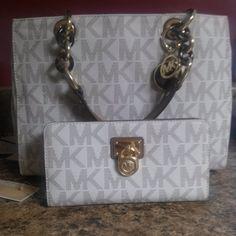 michael kors tote  #michael #kors #handbags #fashion