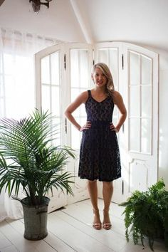 Sleeveless Lace Black Dress