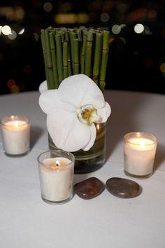 Simple but beautiful Horsetail Orchid arrangement with candles Ikebana Flower Arrangement, Orchid Arrangements, Rose Centerpieces, Bamboo Leaves, Cocktail Tables, Event Decor, Party Planning, Floral Wedding, Cocktails