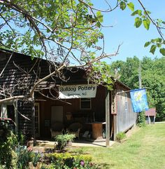 Bulldog Pottery Shop in Seagrove, North Carolina - Visit 70 working pottery shops in central North Carolina open daily.