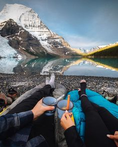 "///Taylor Burk on Instagram: ""Top of the mornin' to ya! We brought our sleeping bags over to the edge of the lake to hang out and eat some oatmeal, the view was alright. ""/// I just can't wait to do this with my sweetheart!!!!! Lovely photo www.instagram.com"