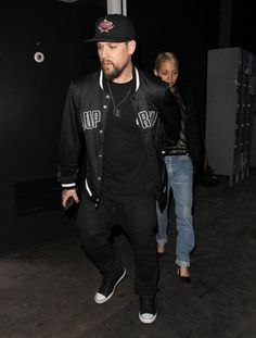 Pin for Later: Nicole Richie and Joel Madden Hold Hands During a Casual Date Night in LA