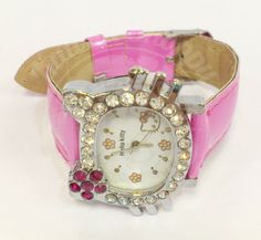 Hi Girls, this is a new accessories with Hello Kitty Character. This time is Fashionable Watch. Make a kawaii images of you with this kawaii watch... and voila... see how cute you are girls...
