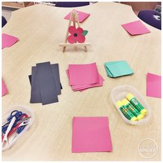 A Pinch of Kinder: Kindergarten Remembrance Day Activities - Simple Open Ended Poppy Craft