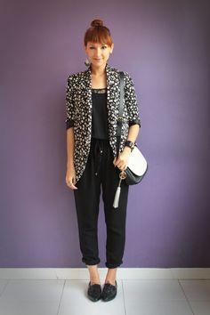 Overall outfit / Macacão com blazer de brechó Blog De repente Tamy | Moda, beleza e look do dia todos os dias! | www.derepentetamy.com