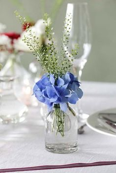 Wedding Table Centres, Blue Centerpieces, Chic Wedding, Blue Wedding, Wedding Ideas, Rustic Shabby Chic, Wedding Decorations, Table Decorations, Table Centers