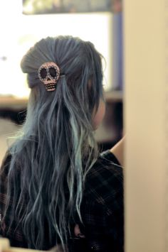 sugar skull hair pin in pastel blue hair