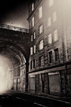 I can't wait to take these pictures in real life!!!! Edinburgh in the dead of the night!!! May couldn't come fast enough