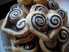 Kakaové srdiečka z lístkového cesta Russian Recipes, Valentines Day, Muffin, Cookies, Breakfast, Desserts, Food, Polish, Basket