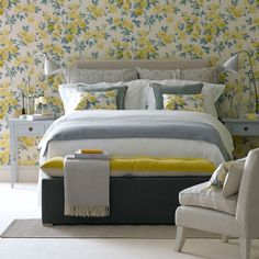Pared floral feature | Dormitorio | GALERIA DE FOTOS | Ideal Home | Housetohome