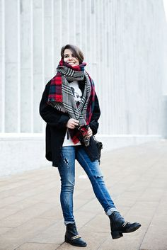 MIckey_Top-Brandy_Melville-Outfit-NYFW-Street_Style-Outfit-12 by collagevintageblog, via Flickr
