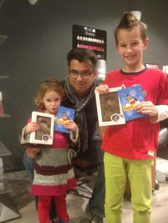 Al twee blije snoetjes die langs zijn geweest om hun prijs op te halen van de Sinterklaas kleurwedstrijd :)