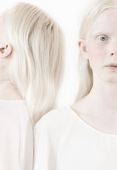 Albino Twins, Albino Men, Albino Girl, Dark Fantasy, Natural Blondes, Pale Skin, Her Hair, Redheads, Blonde Hair