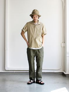 BASISBROEK SENNE -Cotton/Silk Japan Fashion, Look Fashion, Mens Fashion, Middle Age Fashion, Muji Style, Olive Pants, Casual Outfits, Men Casual, Japanese Outfits