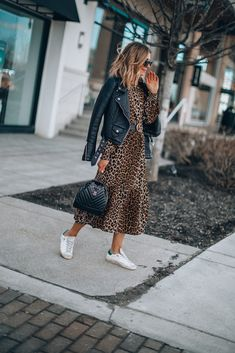 47 Best Trainers Outfit Ideas For Spring With Sporty Chic Look - One of the rules of thumb as pertains to spring clothes is comfortableness. This means that the clothes are supposed to feel soft to the skin while at. Look Fashion, Autumn Fashion, Casual Dresses, Casual Outfits, Fall Dress Outfits, Sneakers Fashion Outfits, Fall Dresses, Leather Jacket Dress, Leopard Dress