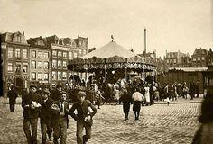 Amsterdam, Kermis op het Haarlemmerplein omstreeks1900 vastgelegd door Hendrik Breitner.