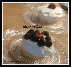 Koolhydraatarme monchou taart(jes) met bodem Een heerlijke luchtige koolhydraatarme monchou taart of taartjes voor elke gelegenheid. Als gebak bij een verjaardag, als extra traktatie bij een kopje thee of koffie, als dessert bij een etentje of...