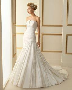 Luna Novias 2013 Bridal Collection via fashionbride.wordpress.com