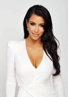 Love Kim without the blond hair , w/o Kanye , and the attitude she's picking up from the jerk