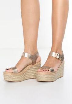 Sandalias con plataforma | Catálogo online en Zalando Steve Madden, Pencil Heels, Flip Flop Shoes, Retro Shoes, Mode Style, Beautiful Shoes, Cute Shoes, Casual Shoes, Wedge Sandals