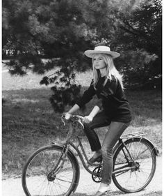 The most beautiful of them all - Brigitte Bardot from 1961 - in jeans.
