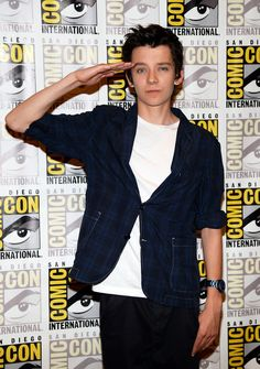Asa Butterfield Photos Photos - 'Divergent' and 'Ender's Game' Press Lines at Comic-Con - Zimbio