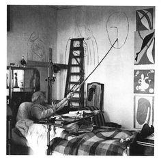 Henri Matisse, foto tomada en su habitación en Niza (Francia), 1950.
