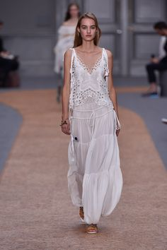 Head-to-Toe White Style from Chloé 2016SS Collection | Fashionsnap.com