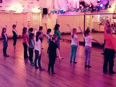 #modern/jazz @SjorsSportief @DansJeFit #dansschool #Zevenaar @inDeLiemers_nl #dansuitvoering #dansles. Donderdag 22 januari 2015. Via twitter @DansJeFit