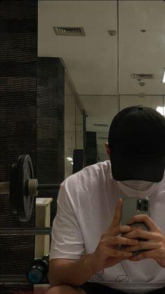Cute Korean Boys, Cute Boys, Mirror Man, Photography Poses For Men, Fake Photo, Ulzzang Couple, Photo Tips, Astronomy, Mood