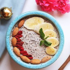 Breakfast is the most important meal of the day. What do you really think? Comment 😍 if you approve or 🙁 if you think otherwise! Kayla Itsines, Keeping Healthy, Healthy Eating, Healthy Plate, Shake, Easy To Digest Foods, Oriflame Cosmetics, Gewichtsverlust Motivation, Thing 1