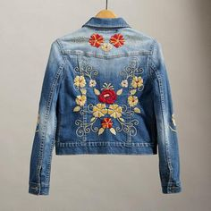 Embroidery Jeans Jacket Blue 63 Ideas For 2019 Embroidered Denim Jacket, Embroidered Clothes, Denim Fashion, Boho Fashion, Mode Jeans, Denim Ideas, Jackett, Outfits, Style
