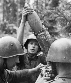 Finnish troops loading a mortar near the Karelian Isthmus - June 1944.
