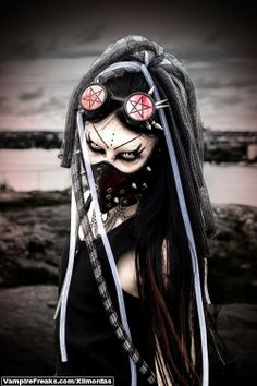 For those men and women that like putting on gothic type fashion. Cyberpunk Mode, Cyberpunk Girl, Cyberpunk Fashion, Goth Beauty, Dark Beauty, Dark Fashion, Gothic Fashion, Steampunk Fashion, Steampunk Clothing
