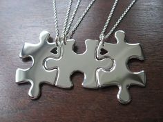 Three Puzzle Heart Pieces Best Friends by GorjessJewellery on Etsy. This would be a great gift idea for teens in military families who have to move due to a PCS. Find more info about this Etsy shop on Facebook www.facebook.com/GorjessJewellery #military #family #unique