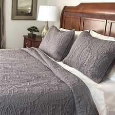 Shop for Fashionable Solid 3-piece Quilt Set. Free Shipping on orders over $45 at Overstock.com - Your Online Fashion Bedding Outlet Store! Get 5% in rewards with Club O!