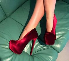 53 Footwear Street Shoes To Look Cool And Fashionable - Shoes Fashion & Latest Trends Red High Heels, Platform High Heels, High Heel Boots, Heeled Boots, Shoe Boots, Shoes Heels, Pumps, Pretty Shoes, Beautiful Shoes