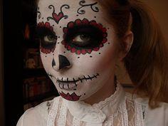 Sugar Skull Halloween Make Up by ChuChuChan http://chuchuchan.blogspot.com/2011/10/day-of-dead-sugar-skull-creating-look.html#