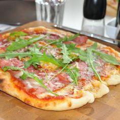Pizza kaasugrillissä - Kotikokki.net - reseptit