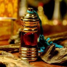 Our rich Ambergris Reddish Brown Mukahallat is a unique perfume with animalic and oceanic notes.Classic Art Parfum.