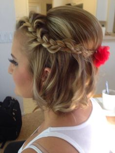Elegant Updo Hairstyle Short Hair Prom Hairstyles Short-Hair-Updo-with