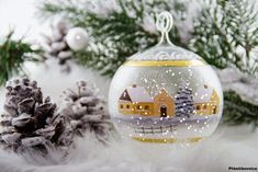 Snow Globes, Christmas Bulbs, Bright, Holiday Decor, Drink, Home Decor, Food, Holiday Decorating, Homemade Home Decor