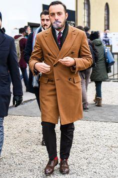 ビジネススーツに合う秋冬コート特集!王道からこなれ感を与えるアウターまでを紹介 | 男前研究所 Smart Casual Men, Business Casual Men, Best Street Style, Cool Street Fashion, Sperrys Men, Best Shopping Sites, Classy Men, Men's Wardrobe, Men Street