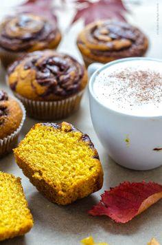 dýňové muffiny s nutellou Nutella, Tea Time, Cupcakes, Breakfast, Morning Coffee, High Tea, Cupcake, Cupcake Cakes, Cup Cakes