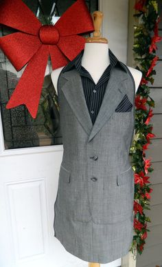Men's Apron UpCycled from Suit Jacket. This idea has possibilities - potential groom gift - also, possible idea for using women's vests for apron top. Cute Aprons, Aprons For Men, Salon Wear, Ruffled Feathers, Altered Couture, Shirt Refashion, Recycled Fashion, Clothing Patterns, Black Stripes