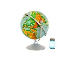 this is EXACTLY like the one i have in my living room!  Vintage Pictorial Globe.
