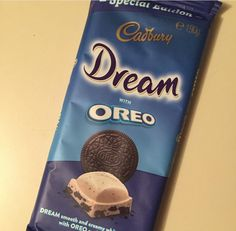 Another Australian treat from Dreamy white chocolate with just the right amount of cookie pieces. Milka Oreo, Milka Chocolate, Cadbury Chocolate, I Love Chocolate, White Chocolate, Cadbury World, Oreo Bars, Cute Food, Sweets