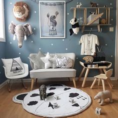 ☆ Boysroom ☆ ----- @appistudio #appistudio #leketeppe @lalkastore #lalkastore #spons @minlilleskatt #memini #memininorway #tipi #fashion @carmell.no #carmell #plantoys #skrivepult #barnerom #babyshopno #kidsconcept #sofa #barnesofa #kidsroom #kidsroomdecor #kidsdecor #playroom #kidsstyle #boysroom #nursery #bedroom #decorforkids #interior #kidsinteriors #brigbys #dyretrofé